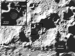 Escombros expulsados del cráter Cabeus, unos 20 segundos después del impacto del LCROSS. El recuadro muestra de cerca la posición del Sol y la Tierra. Foto: Science/AAAS